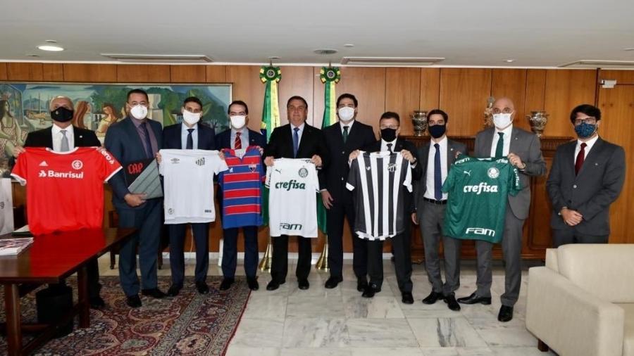 Bolsonaro recebe representantes de clubes que venderam direitos à Turner - Reprodução