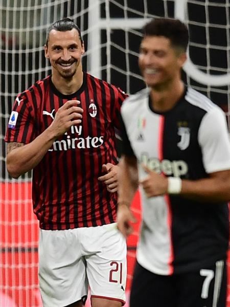 Ibrahimovic comemora gol do Milan contra a Juventus, de Cristiano Ronaldo - Miguel MEDINA / AFP