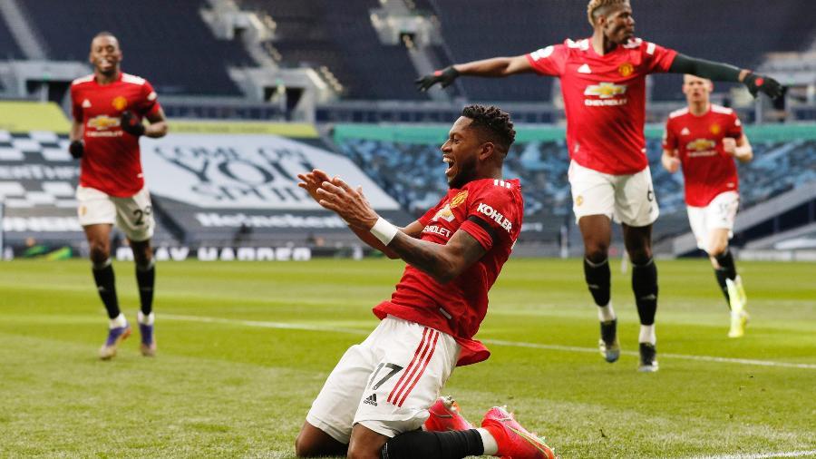 Fred comemora gol marcado pelo Manchester United diante do Tottenham - Adrian Dennis/via Reuters