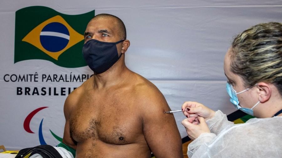 Antonio Tenório é o primeiro atleta vacinado - Alê Cabral/CPB