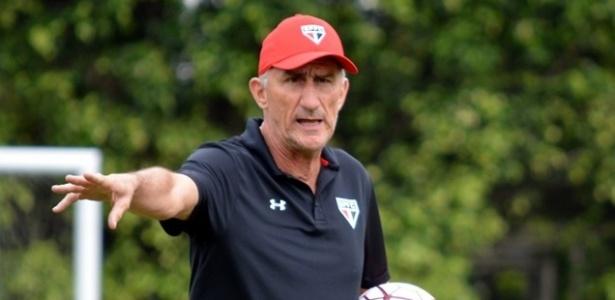 Edgardo Bauza anunciou que o São Paulo jogará com time misto contra o Corinthians