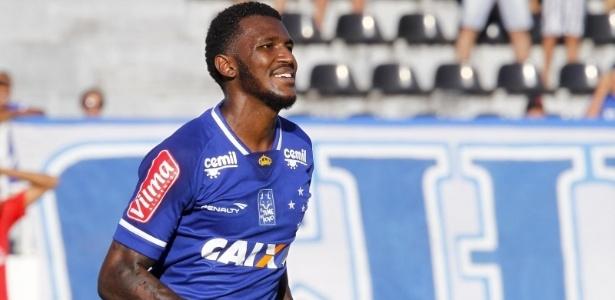 Douglas Coutinho está próximo de deixar o Cruzeiro
