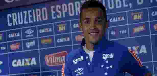 Eterno camisa 10 e ex-companheiro vira inspiração para Rafinha no Cruzeiro 108aead66d325