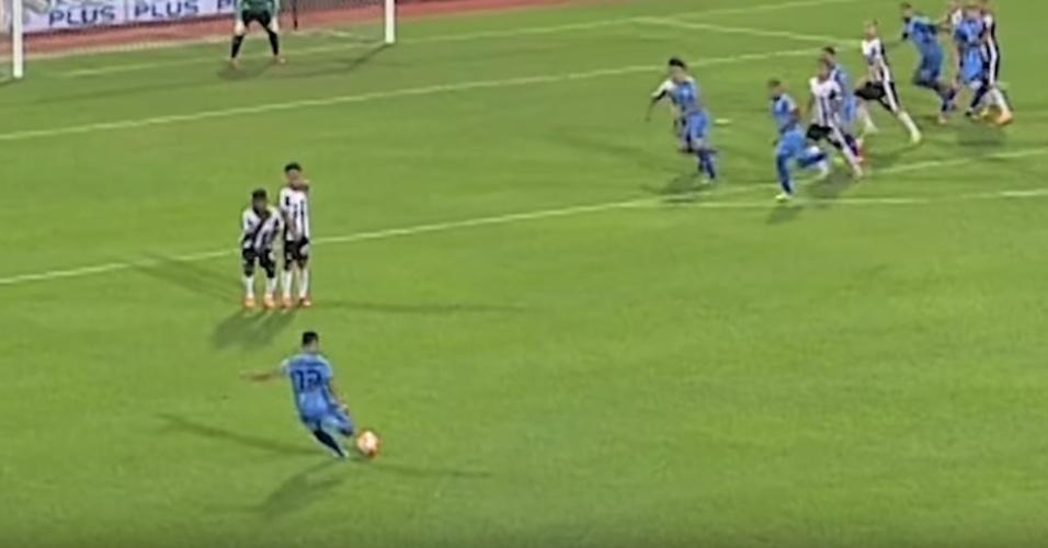 Mohd Faiz Subri (MAL/Penang): concorre a Prêmio Puskas de gol mais bonito do ano