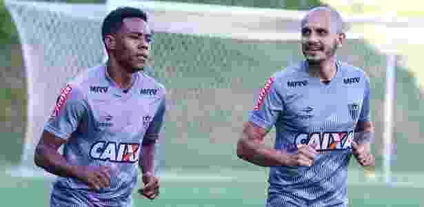 Elias e Fábio Santos jogaram recentemente pelo Corinthians e conversaram com Clayton - Bruno Cantini/Clube Atlético Mineiro