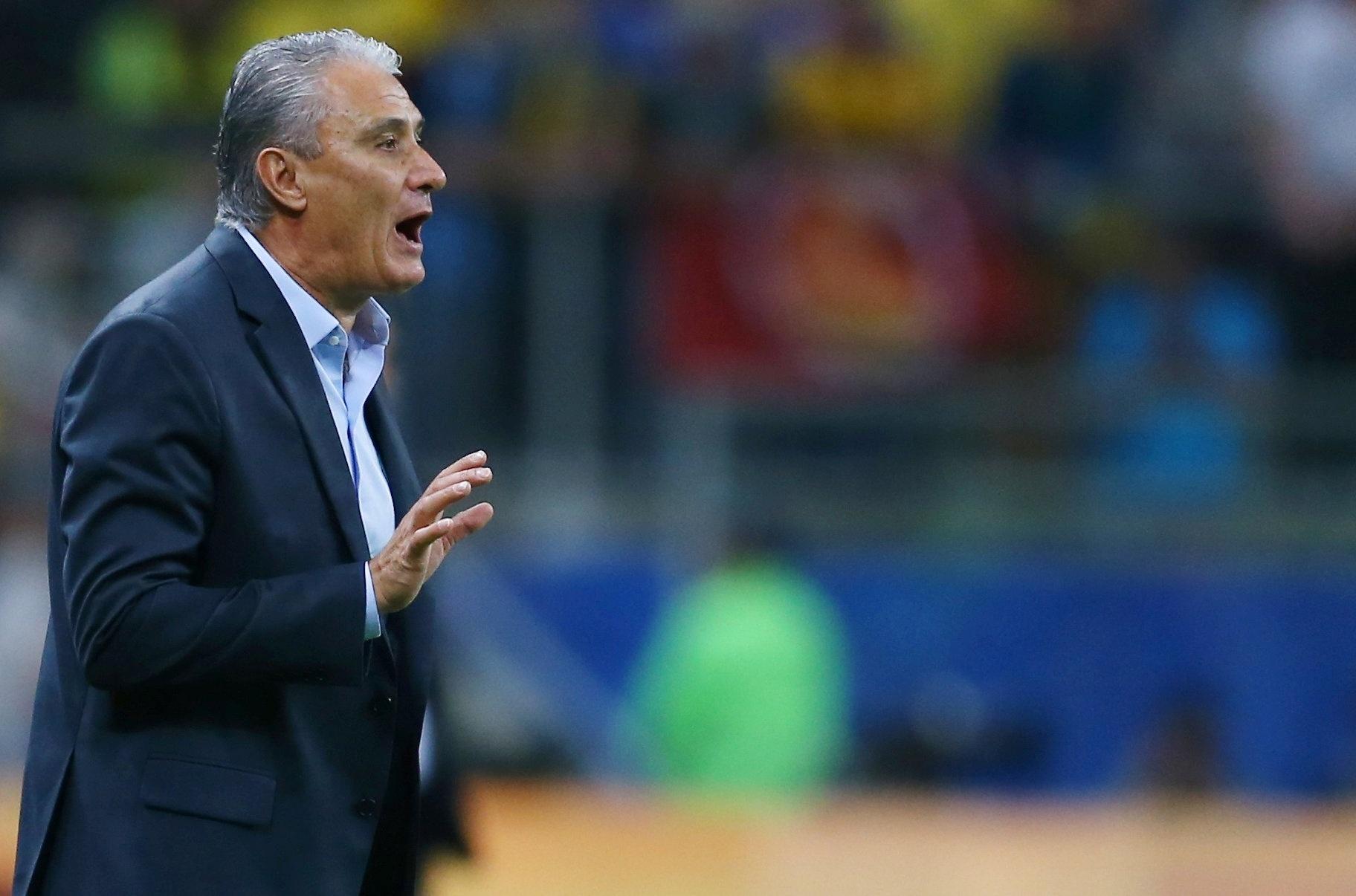 Tite orienta a seleção brasileira contra o Equador