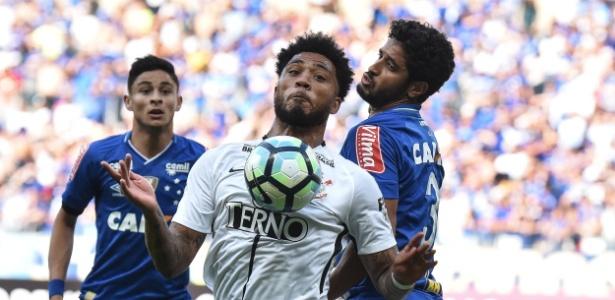 Kazim foi titular contra o Cruzeiro e teve gol anulado no Mineirão