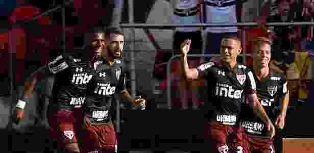 Marcos Guilherme comemora gol pelo SP; Under Armour é a atual fornecedora do clube - Marcello Zambrana/AGIF