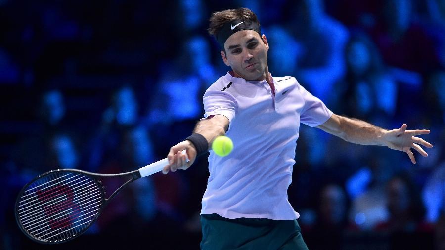Roger Federer disputa ponto contra Marin Cilic no ATP Finals - Glyn Kirk/AFP