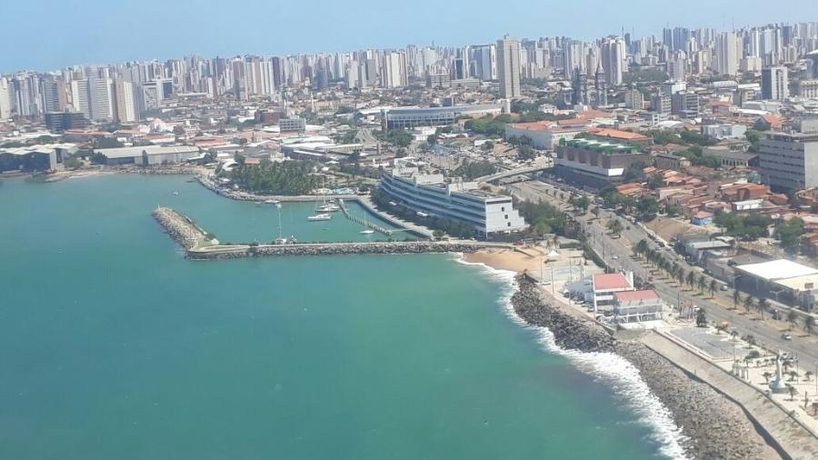 Vista da praia da Formosa, em Fortaleza, onde é feita a busca ao atleta desaparecido - Divulgação/Secretaria de Segurança Pública (Ceará)