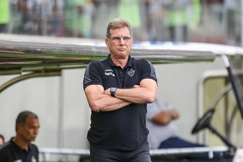 Oswaldo de Oliveira aguarda eleição no Atlético-MG para ter permanência confirmada
