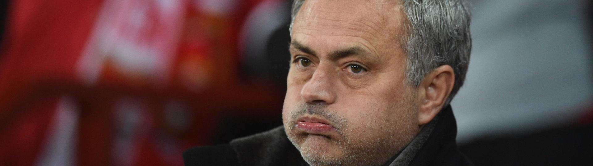 José Mourinho, técnico do Manchester United, na partida contra o Sevilla, pela Liga dos Campeões