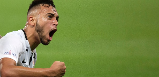 [VÍDEO] Ex-Corinthians, Maycon faz golaço em sua estreia na Champions League