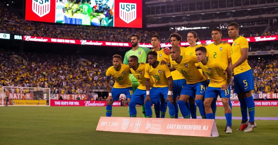 Seleção brasileira se apresenta para primeiro jogo depois de queda na Copa
