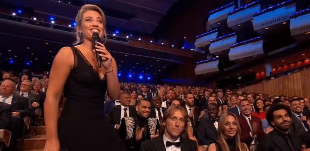 Anne-Laure Bonnet chamou atenção pela elogiável apresentação da premiação da Fifa - Reprodução/Fifa