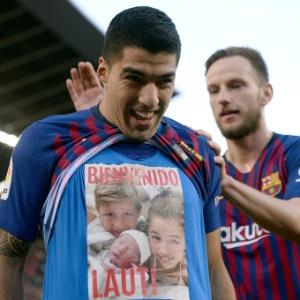Suárez homenageou filho recém-nascido após marcar seu primeiro gol contra o Real - Josep Lago/AFP