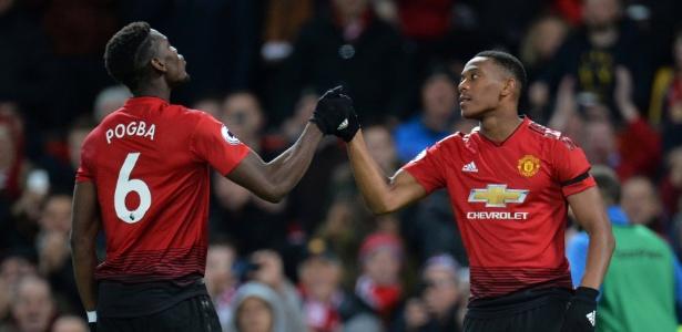 Martial e Pogba, pelo lado esquerdo, criaram as melhores chances do United na partida - PETER POWELL/REUTERS