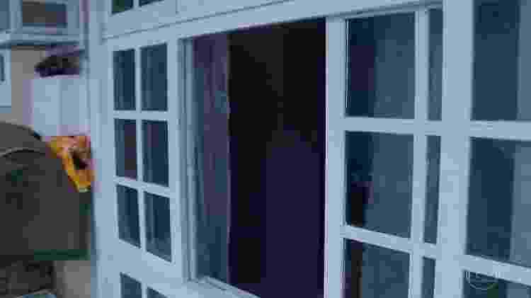 Janela do quarto do casal Brittes  - Reprodução/Rede Globo - Reprodução/Rede Globo