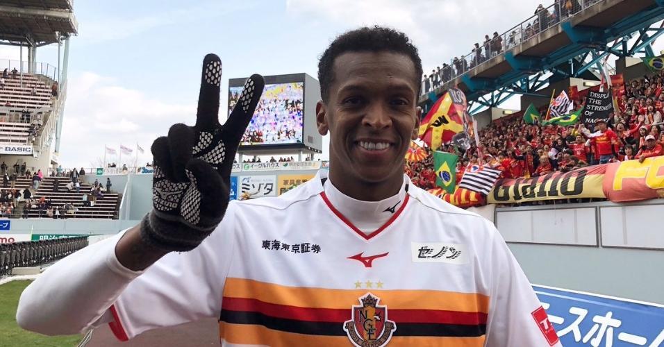 Jô marcou duas vezes na estreia no Campeonato Japonês