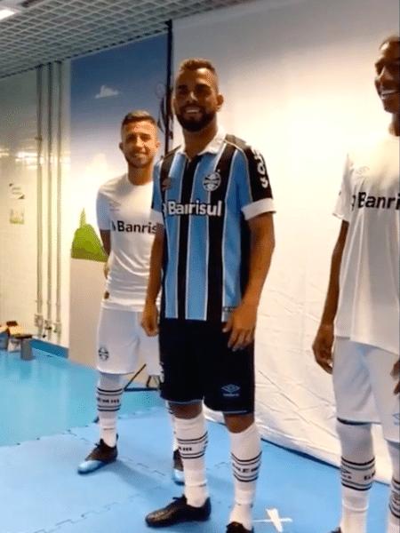 ae1699dbb73b8 Grêmio vaza