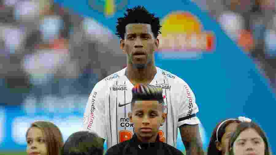 Gil, jogador do Corinthians, antes de partida contra o CSA - Daniel Vorley/AGIF