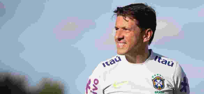 Juninho Paulista, coordenador de seleções masculinas, durante treino do Brasil em Miami - Lucas Figueiredo/CBF