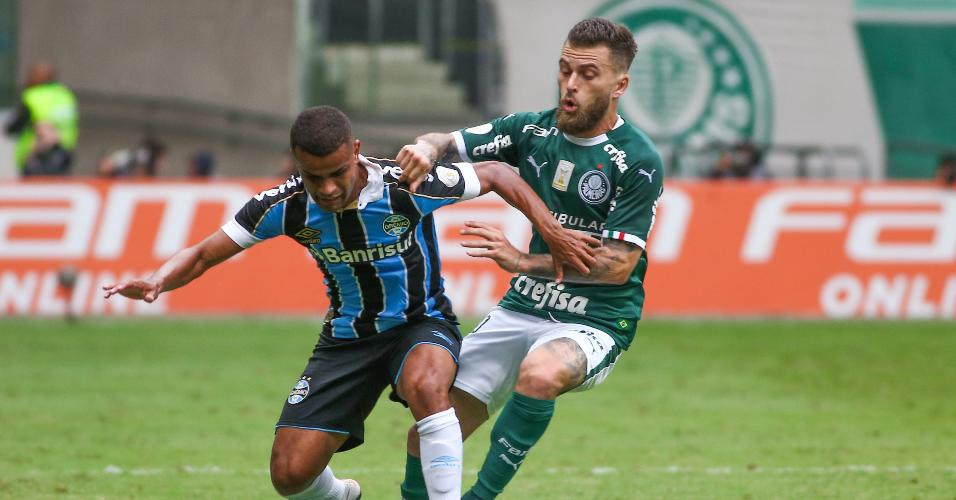 Lucas Lima e Alisson, durante partida entre Palmeiras e Grêmio