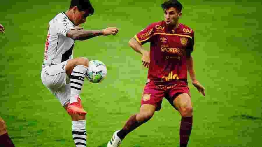 German Cano fugiu da marcação da zaga do Sport e marcou duas vezes na Ilha do Retiro - Ricardo Fernandes/AGIF