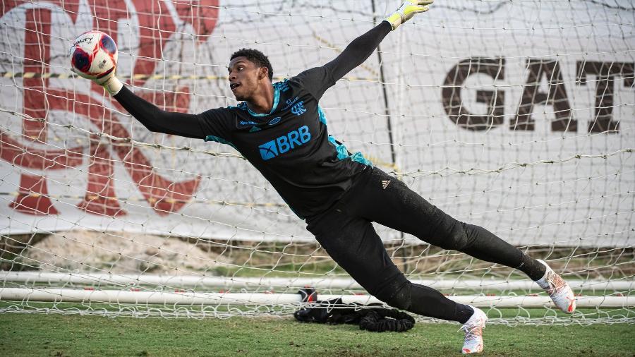 Hugo, goleiro do Flamengo, durante treinamento no Ninho do Urubu - Alexandre Vidal / Flamengo