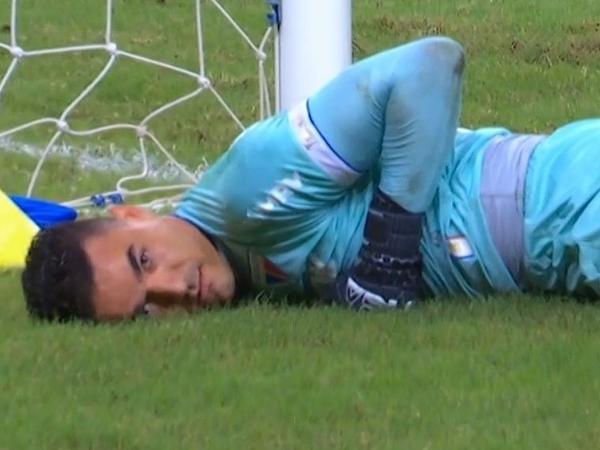 """Felipe Alves, do Fortaleza, """"encarou"""" a câmera nos segundos finais de Fortaleza 1 x 0 Sport"""