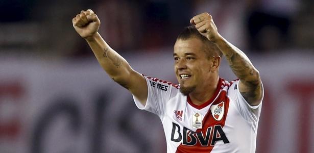 D'Alessandro se despediu do River Plate e tem mais um ano de contrato no Brasil