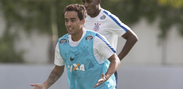 Jadson está entre atletas mais desgastados do Corinthians