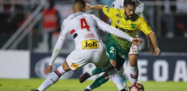 Lucão sofreu na marcação dos jogadores argentinos