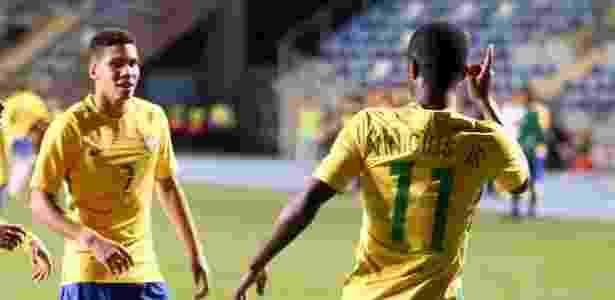 Paulinho (esq.) e Vinícius Jr. (dir.): parceiros de ataque na seleção sub-17 - CBF - CBF