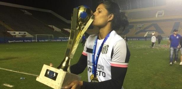 Artilheira do Brasileirão feminino, Sole Jaimes comemora título