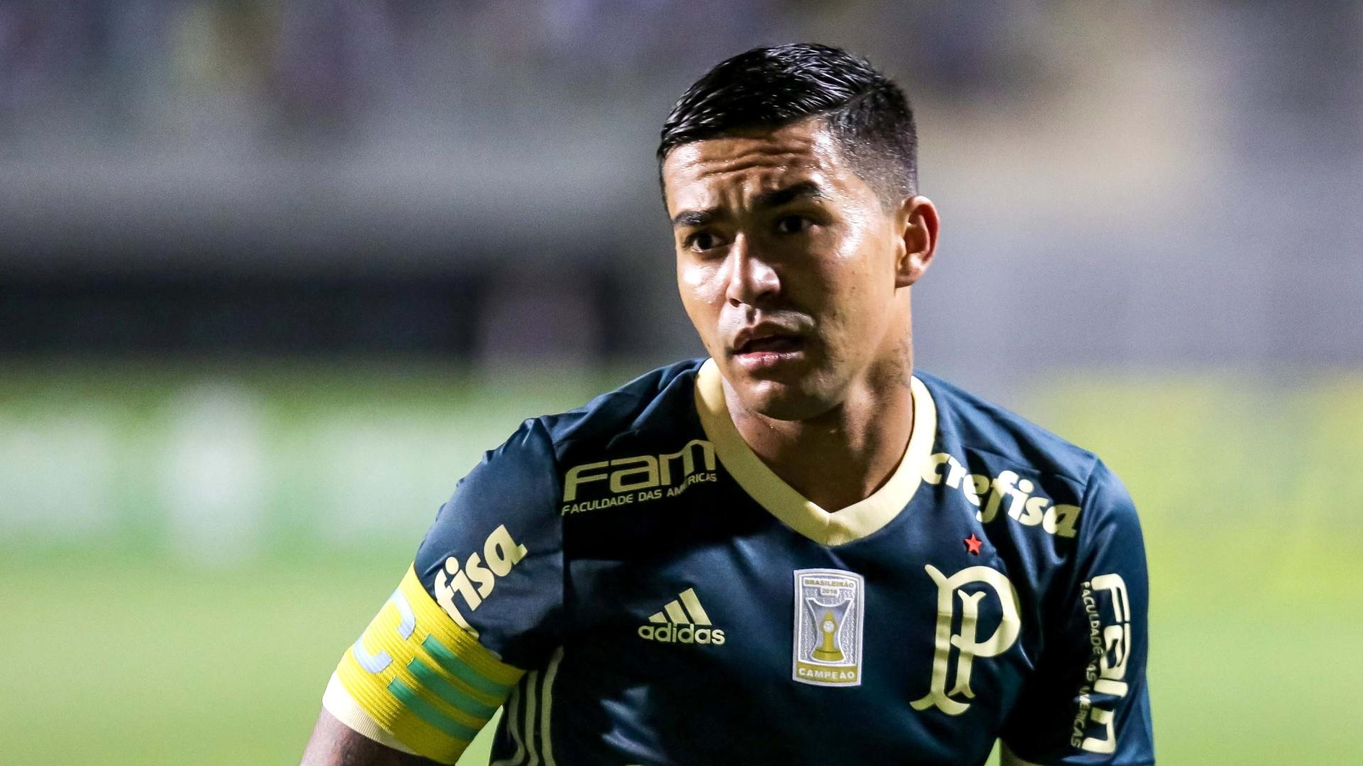 Dudu joga pelo Palmeiras contra o Bahia, no Pacaembu