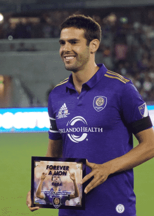 Kaká recebeu uma placa antes da partida - Orlando City/Divulgação