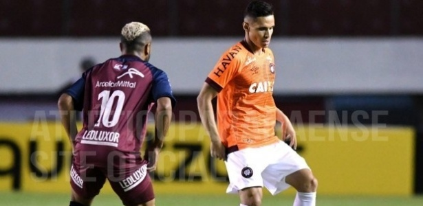 Raphael Veiga fez sua estreia com a camisa do Atlético