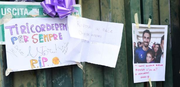 Torcedores prestam homenagem a Davide Astore, encontrado morto no domingo