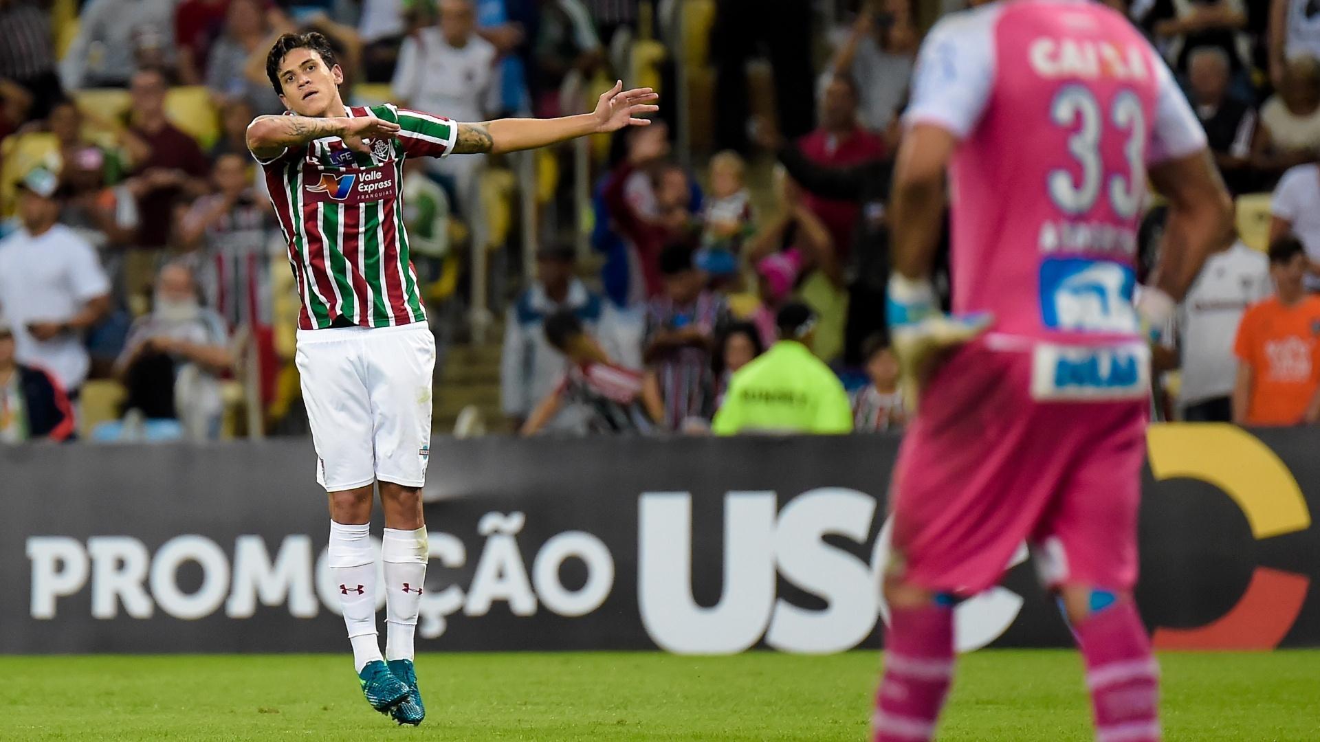 Pedro comemora gol do Fluminense contra o Bahia