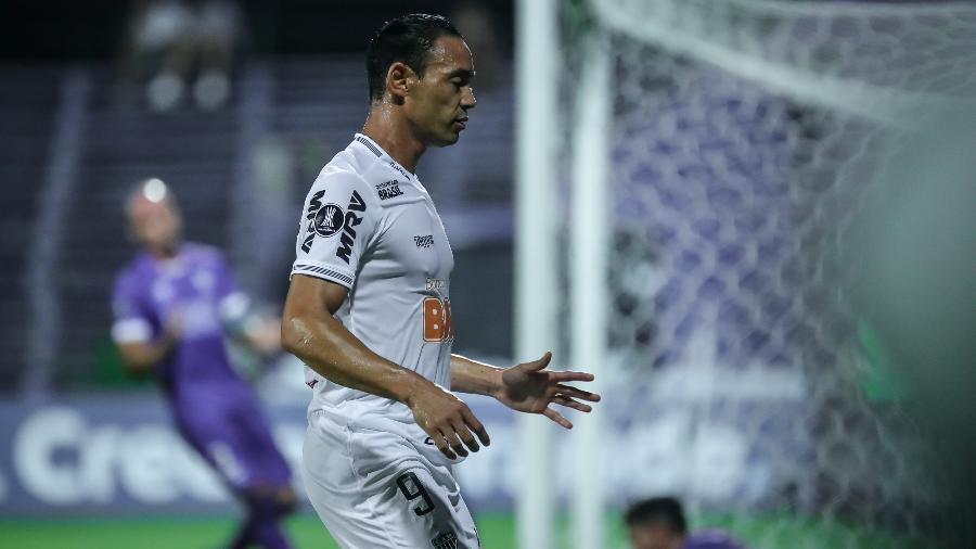 Ricardo Oliveira, atacante do Atlético-MG, foi substituído por Zé Welison contra o Defensor Sporting - Bruno Cantini/Divulgação/Atlético-MG