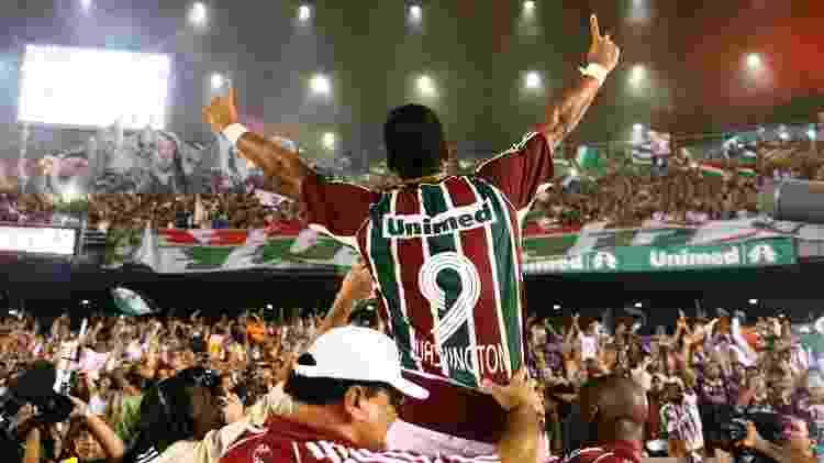 Washington comemora gol marcado para o Fluminense contra o São Paulo - Robson Ventura / Folha Imagem