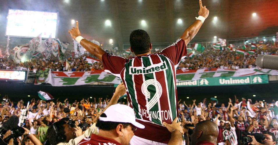 Washington comemora gol marcado para o Fluminense contra o São Paulo