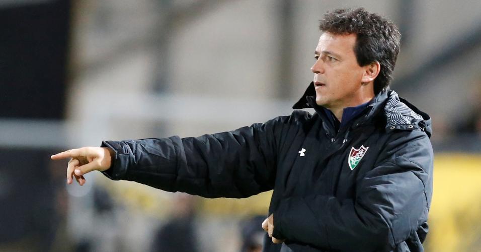 Fernando Diniz, técnico do Fluminense, durante duelo contra o Peñarol