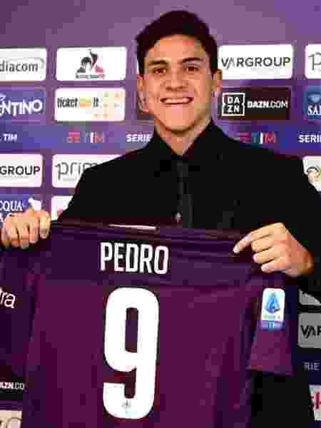 Pedro, ex-Fluminense, é apresentado com a camisa 9 da Fiorentina - Facbook/Fiorentina - Facbook/Fiorentina