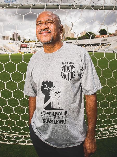 Sebastião Arcanjo, o Tiãozinho, presidente da Ponte Preta, no Moisés Lucarelli - VALÉRIA GONÇALVEZ/ESTADAO CONTEUDO
