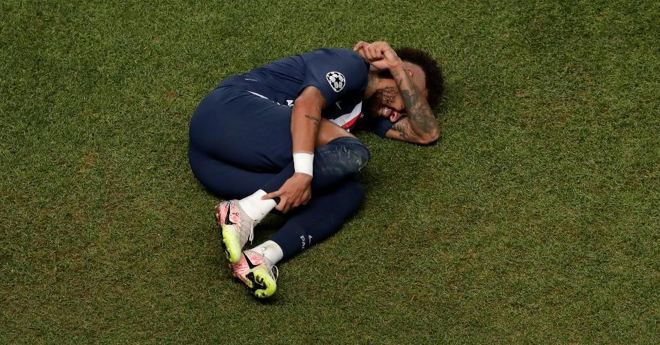 Neymar sente pancada na Liga dos Campeões