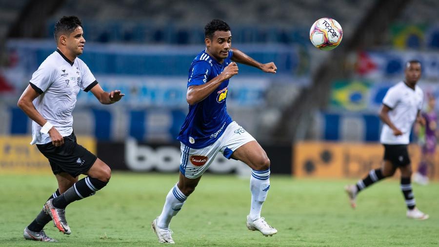 Cruzeiro apenas empata com o Figueirense e estaciona na parte inferior da tabela na Série B - Bruno Haddad/Cruzeiro