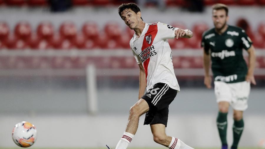 Nacho Fernandéz, em ação pelo River Plate - REUTERS/Juan Ignacio Roncoroni