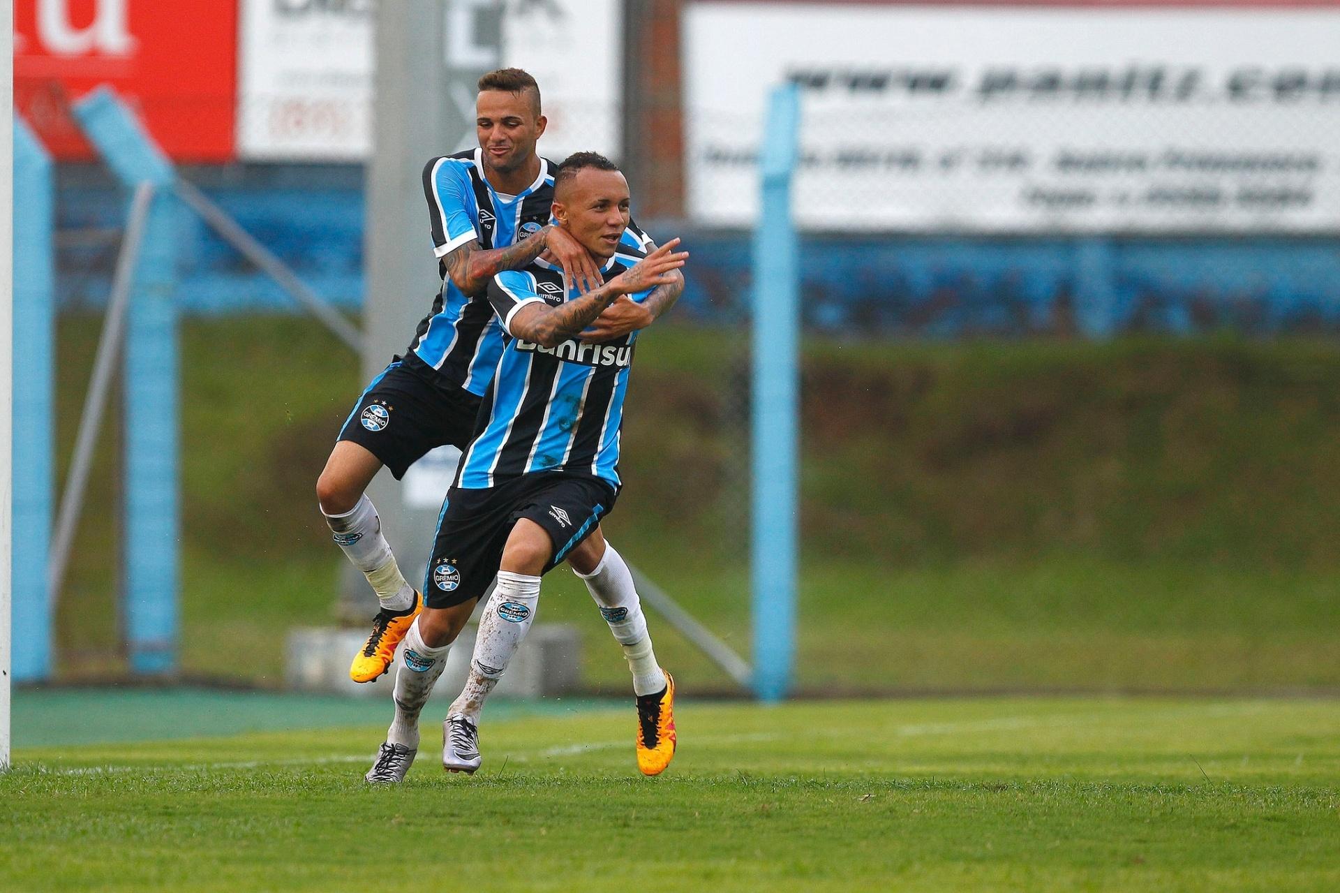 9a64e9ad20 Nova posição de Everton dá concorrente  de peso  a Luan no Grêmio - Esporte  - BOL
